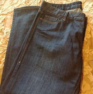 Levis 552 mid rise straight leg jeans